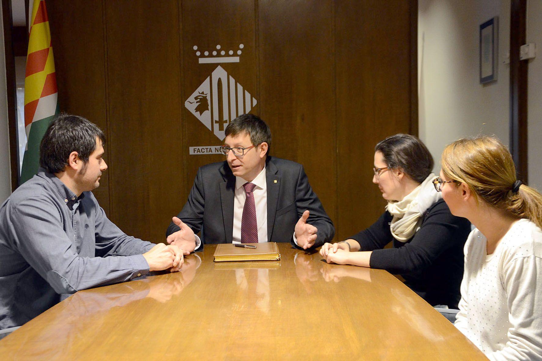 Un moment de la visita del Conseller a l'Ajuntament de Cerdanyola del Vallès