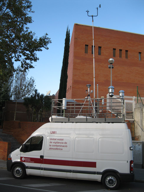 La unitat mòbil de control de la contaminació atmosfèrica torna a instal·lar-se a la ciutat