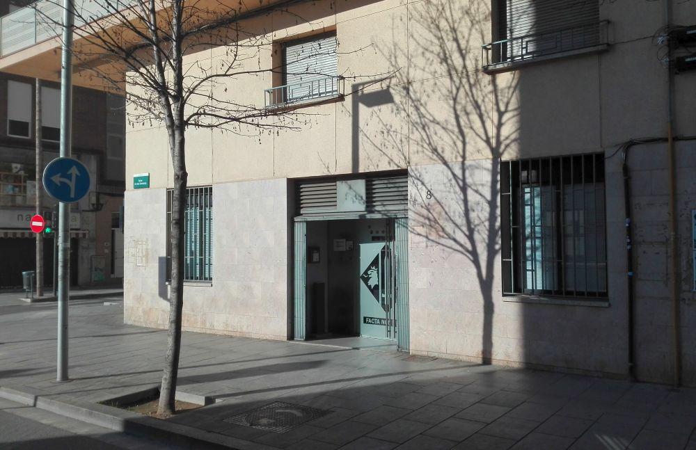 Façana de l'Oficina Municipal Habitatge