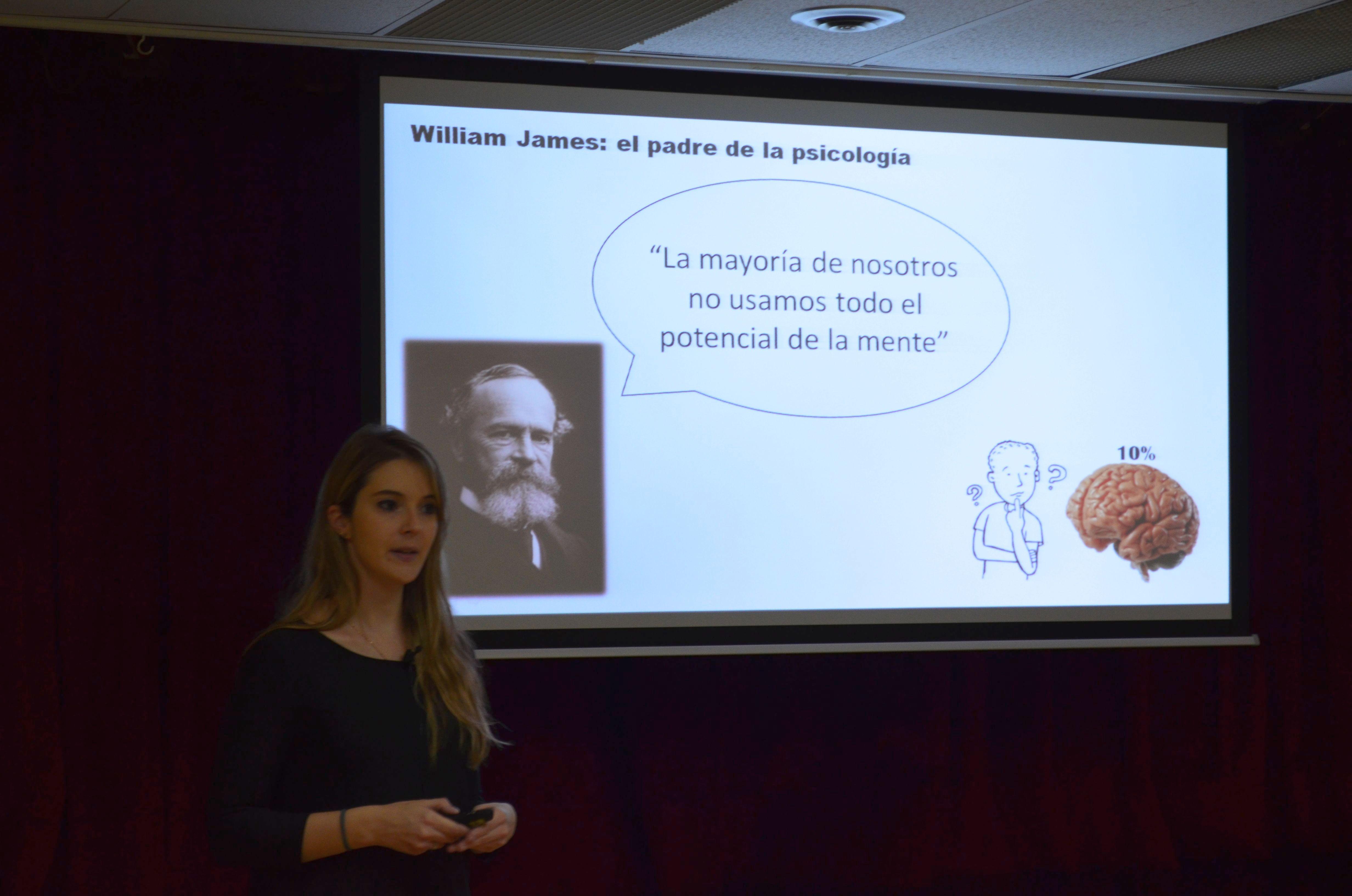 Mireia Ortega durant la seva conferència