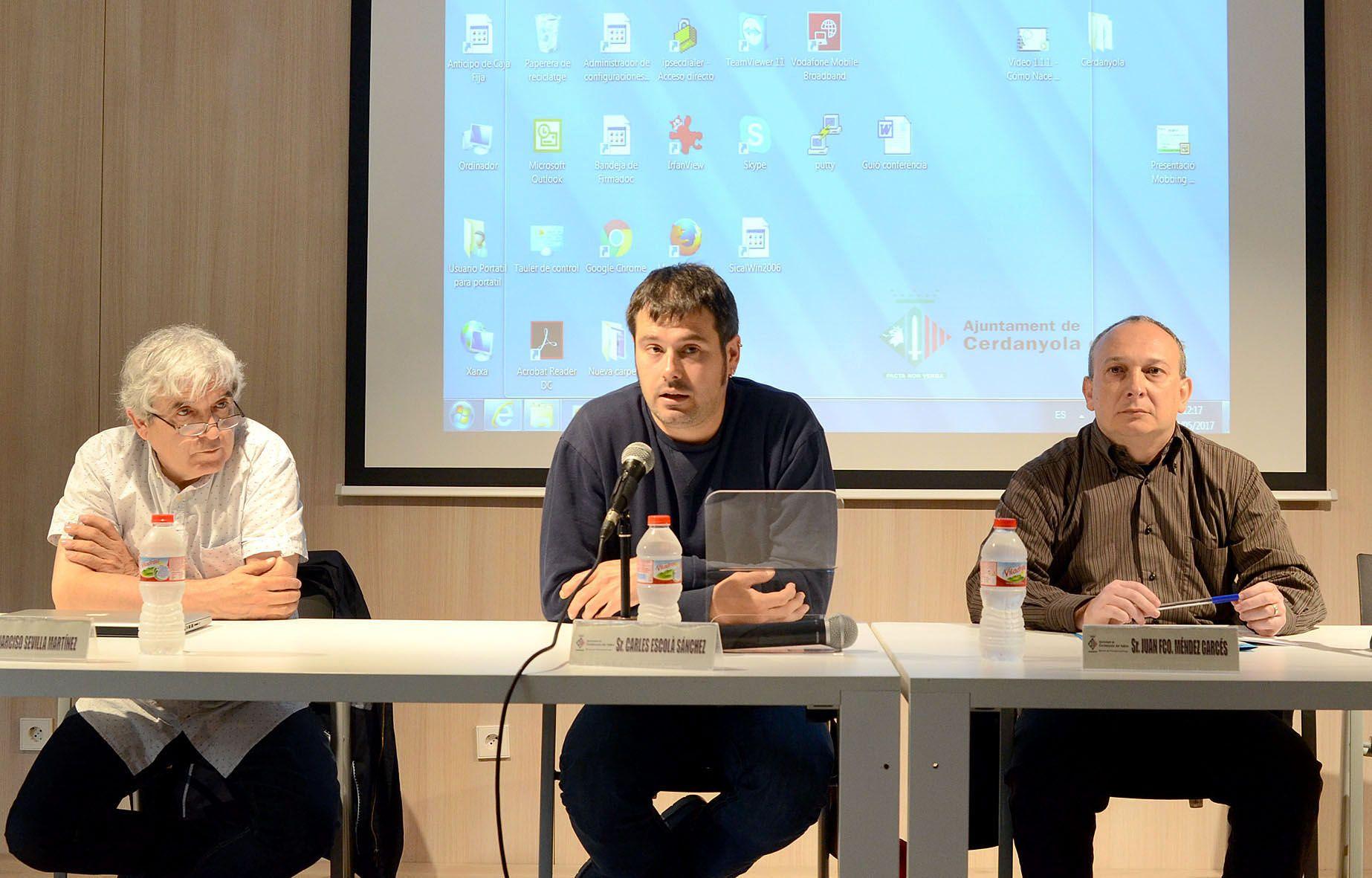 L'alcalde Carles Escolà, junt amb els ponents Narciso Sevilla i Juan Francisco Méndez