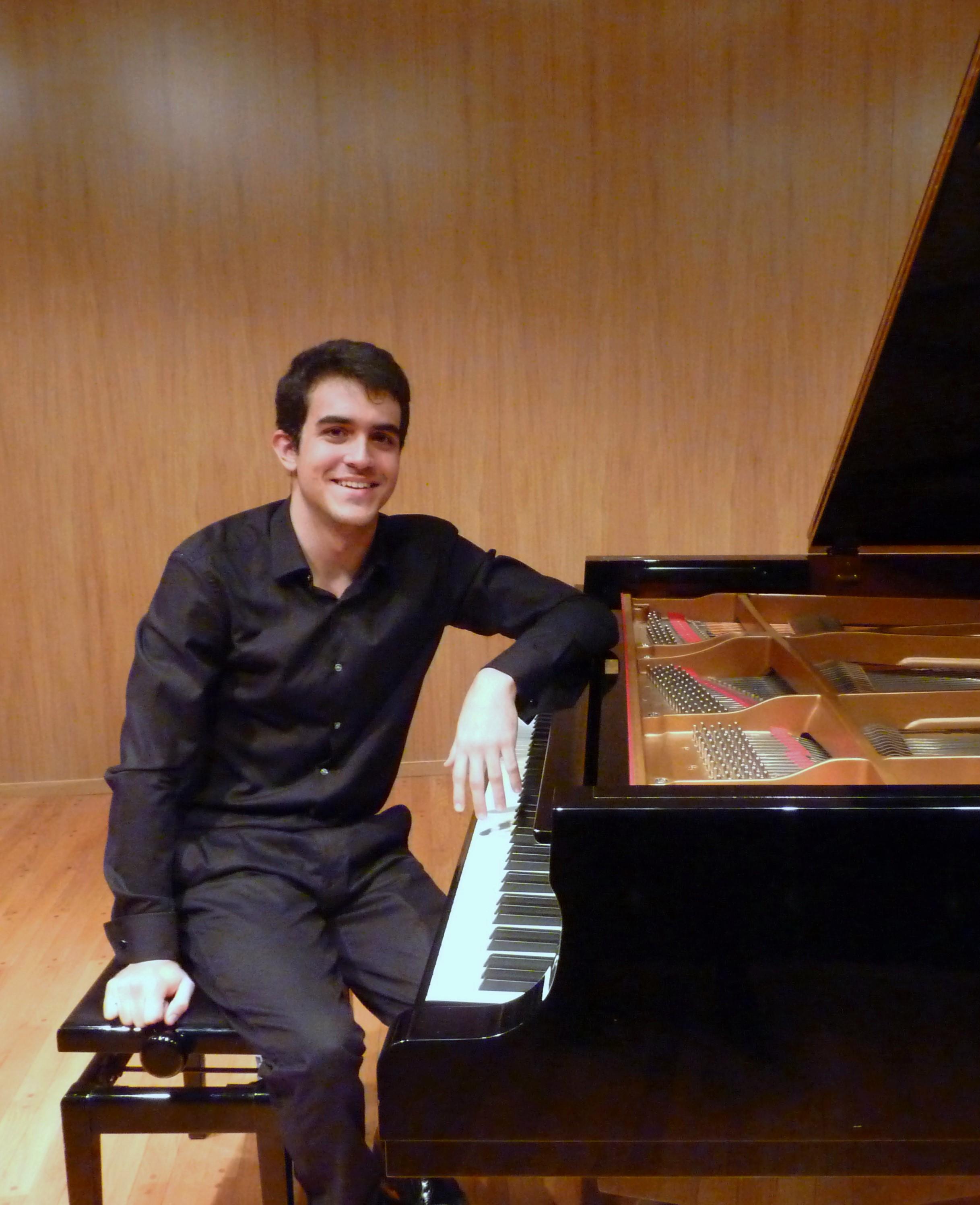 El pianista Alberto Menjón