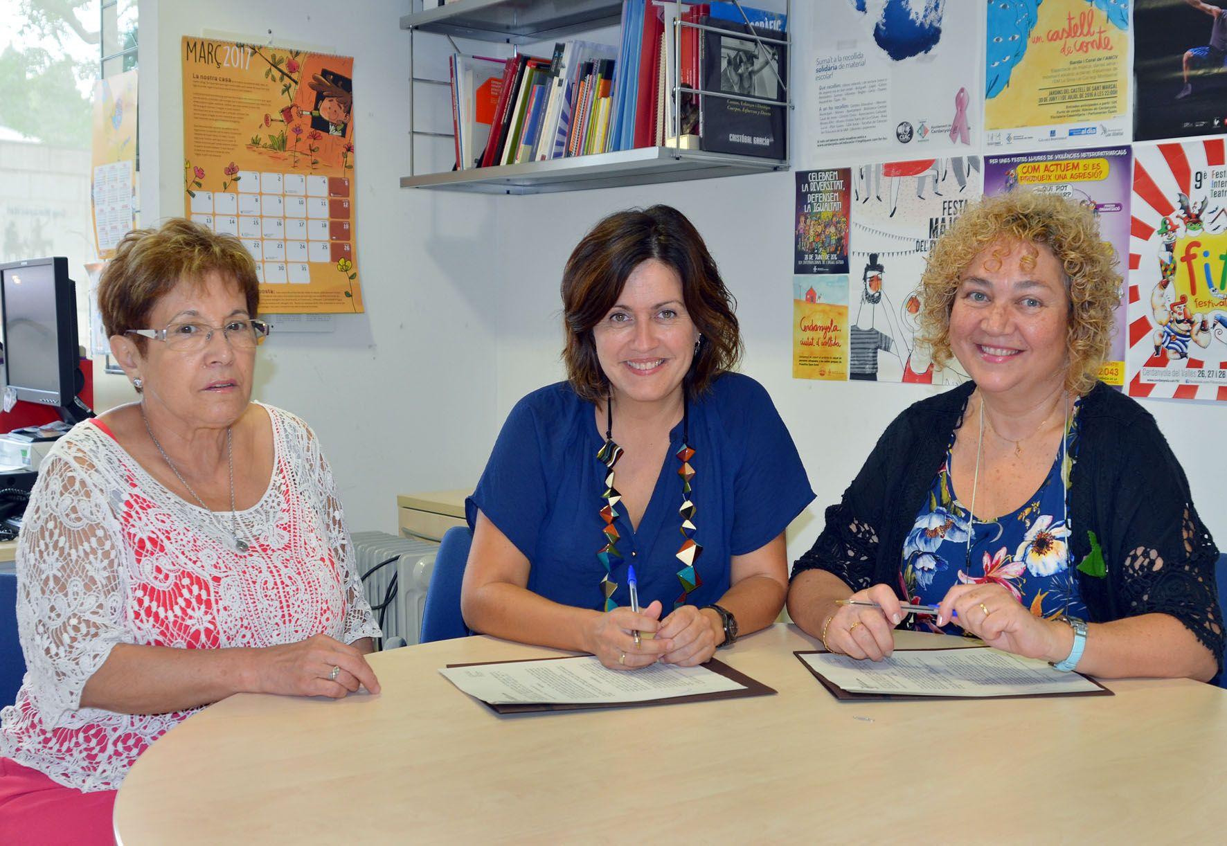 Firma del conveni de l'Ajuntament amb l'Associació de Familiars Cuidadors de Malalts d'Alzheimer