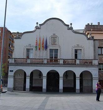 Façana de l'Ajuntament de Cerdanyola del Vallès