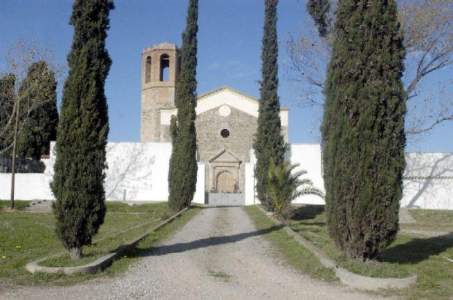 Accés al cementiri municipal