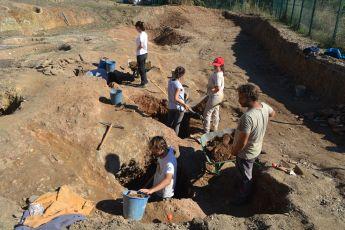 Persones treballant en les excavacions