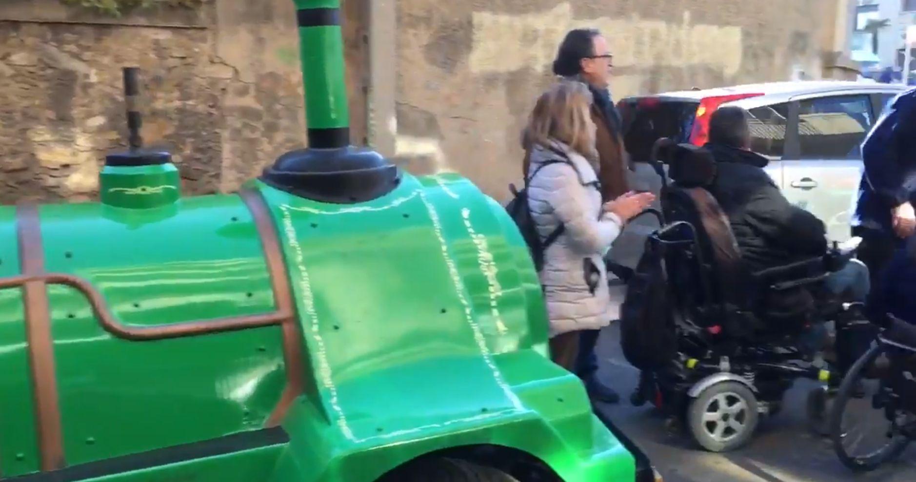 Moment de la protesta. Captura del vídeo de www.cerdanyola.info