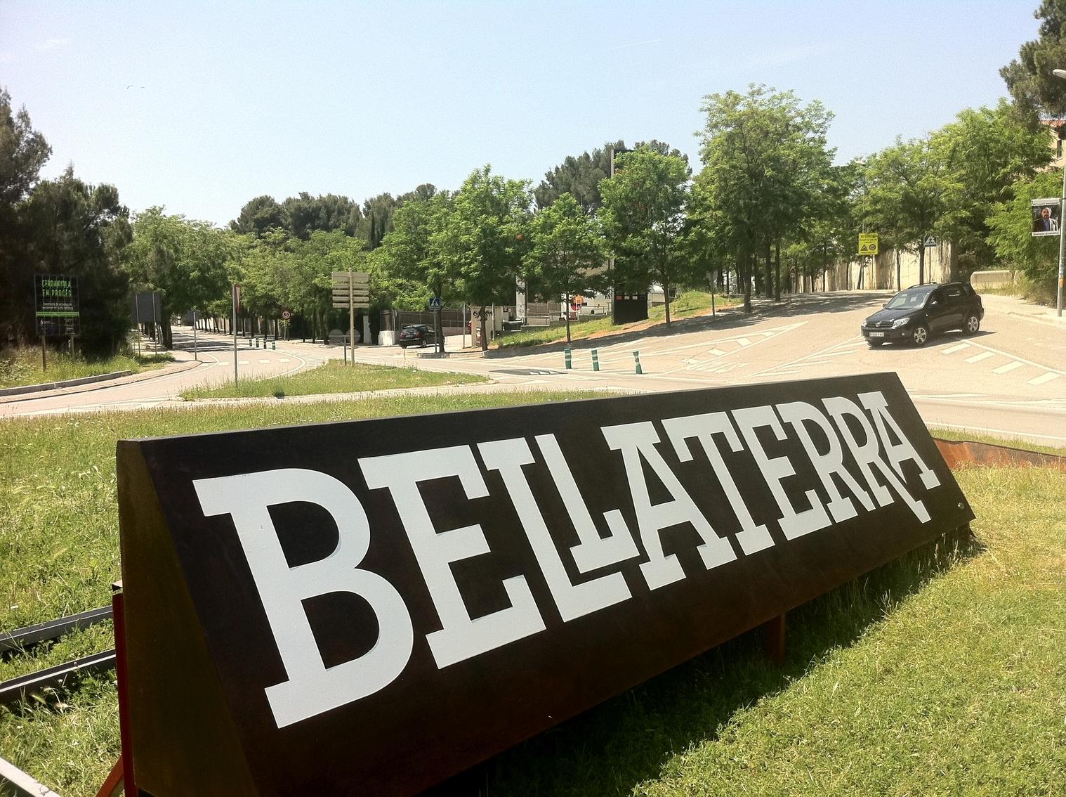 Un dels accessos a Bellaterra