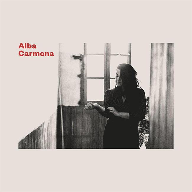 Portada del primer disc en solidari d'Alba Carmona