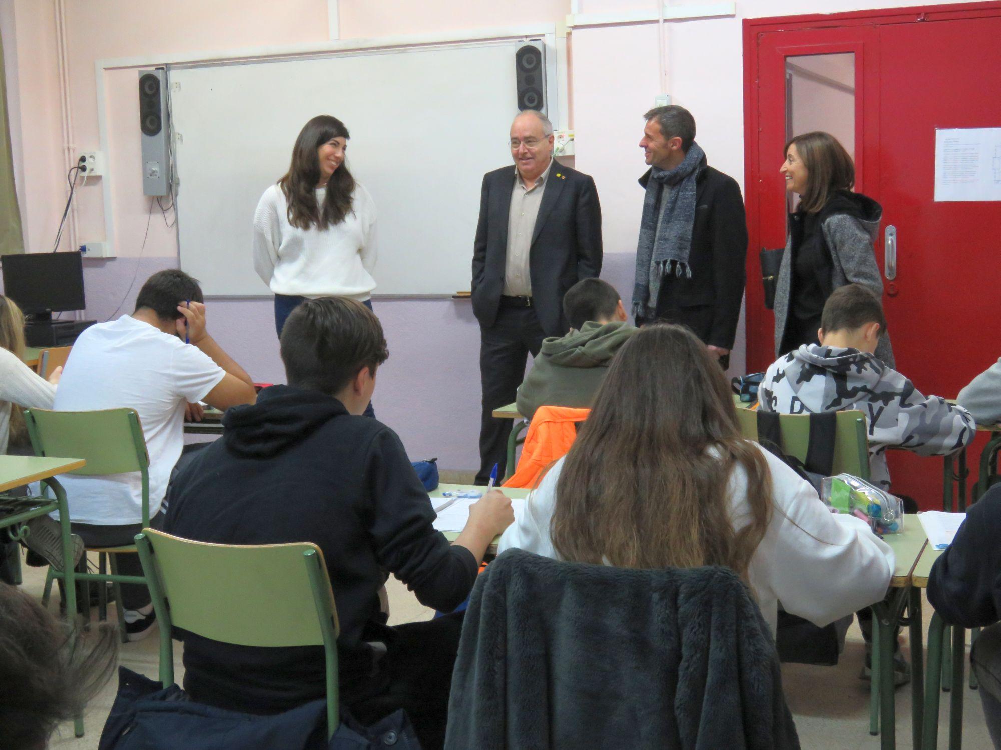 Josep Bargalló en una aula de l'Institut Forat del Vent