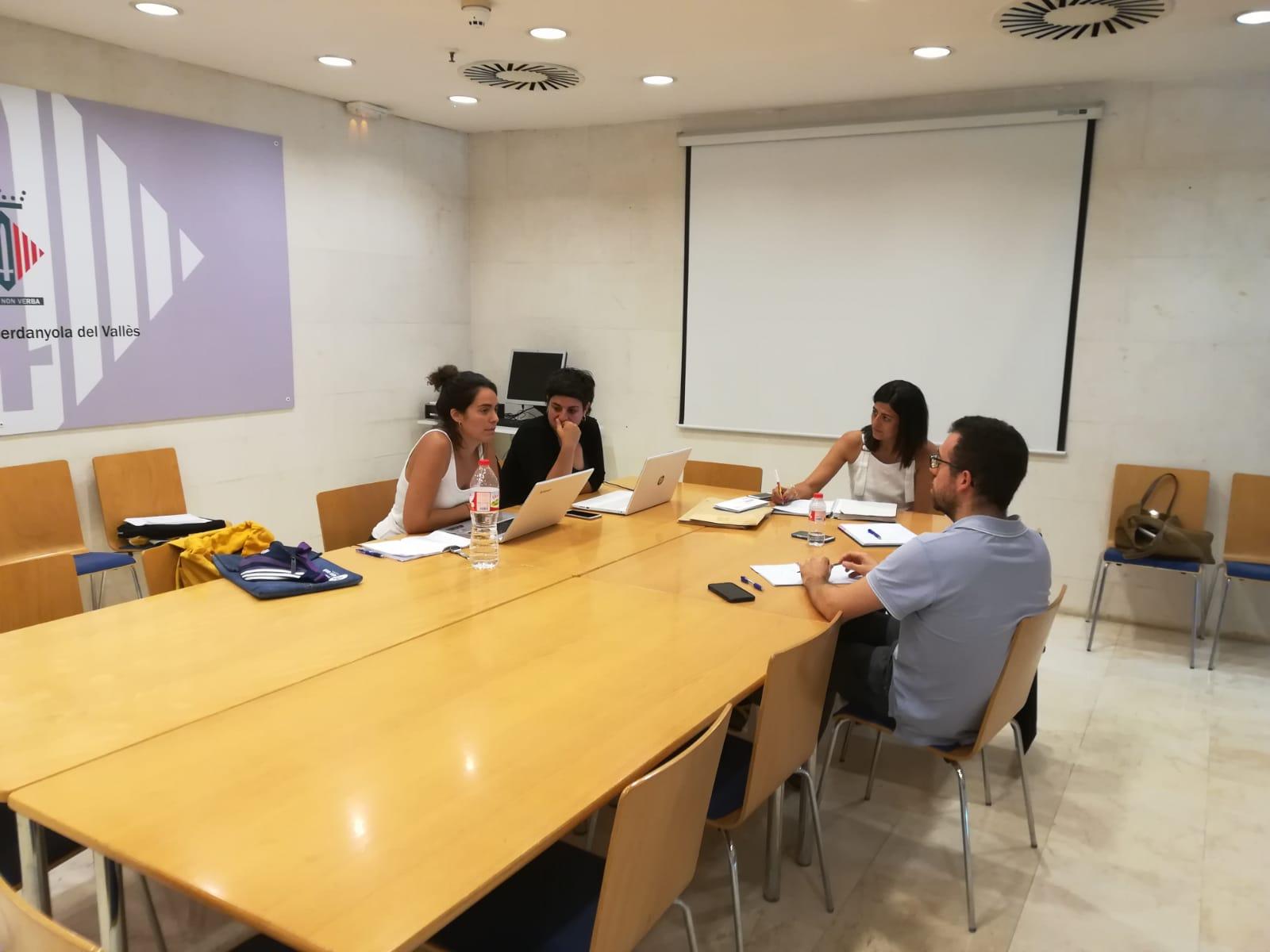 Un moment de la reunió de treball