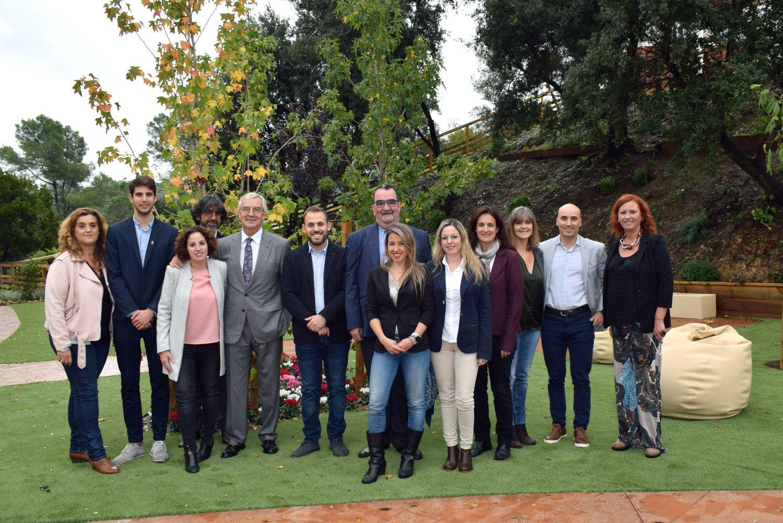 Foto de família de les persones que van participar a la visita