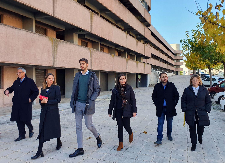Moment de la visita a la Vila Universitària