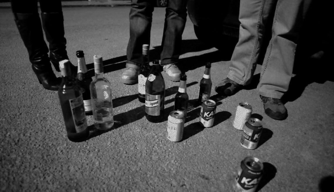 Imatge genèrica d'alcohol al carrer