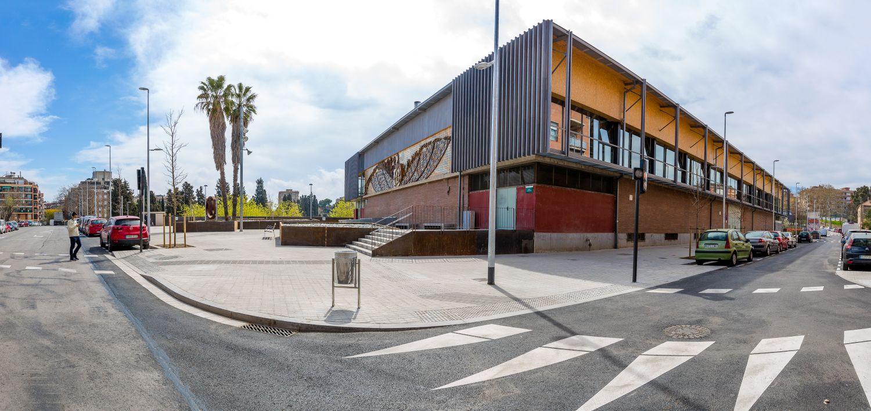 Plaça reurbanitzada entre carrer Santa Anna i Camèlies