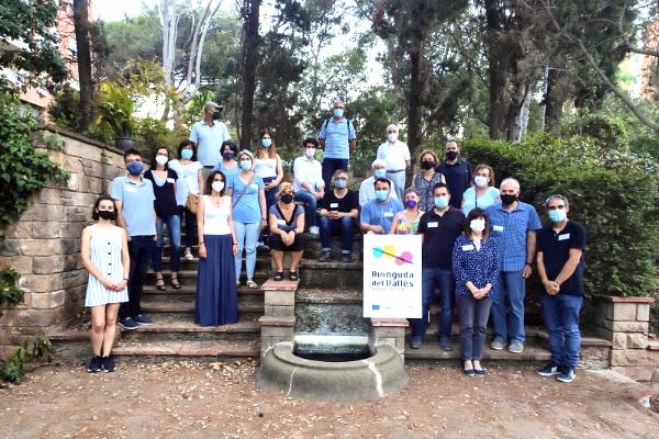 Moment final de la sessió co-creació #5 celebrada als jardins de Ca n'Ortadó