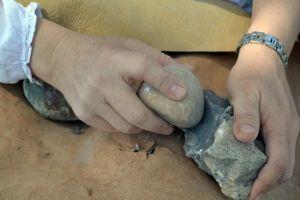 descobrir el foc, treballar la pedra