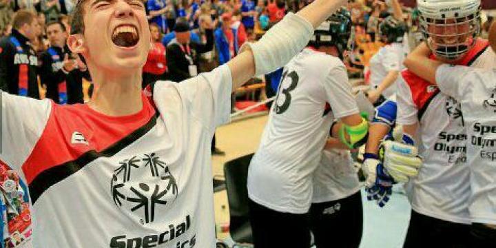 Òscar Pla celebrant el títol de campió del món