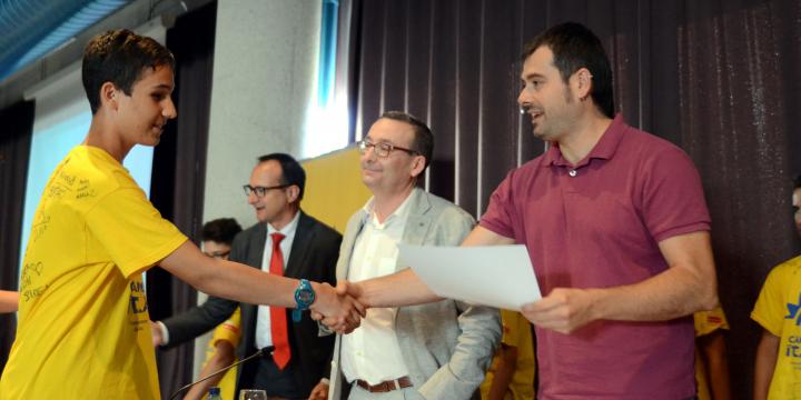 L'Alcalde va felicitar els joves participants en el primer torn del campus