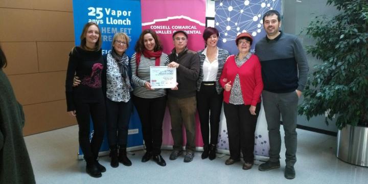 La delegació de l'Associació d'Aturats de Ripollet i Cerdanyola del Vallès amb Carles Escolà i Contxi Haro