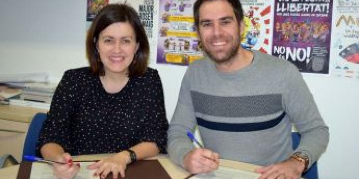 Elvi Vila i Juan José Martín en el moment de signar el conveni