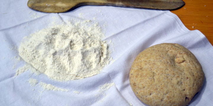 Matèria primera i pa preparat per coure
