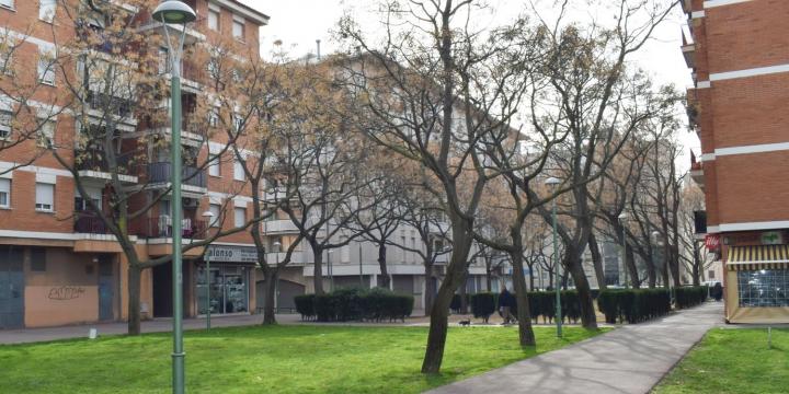 Una de les zones a on s'han substituït els fanals és als passatges dels jardins de l'avinguda Espanya amb avinguda Roma