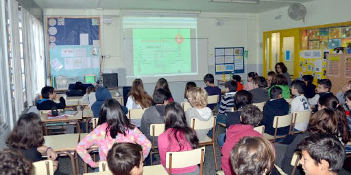 Grup d'alumnes a una classe
