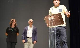 L'alcalde Carles Escolà adreça unes paraules als reunits