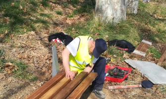 Part de les feines se centren en millorar el mobiliari urbà