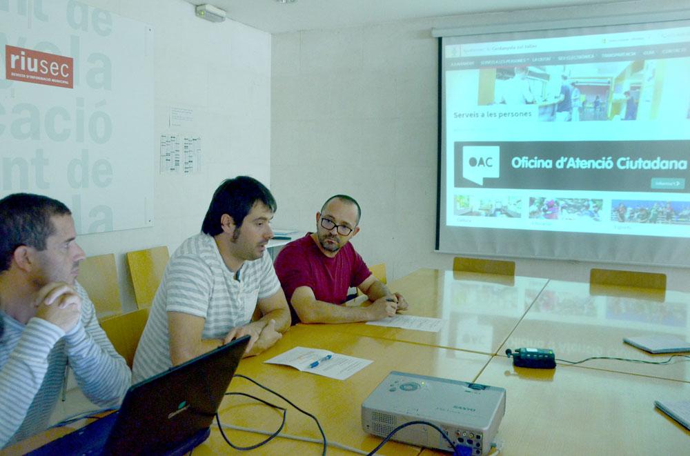 Moment de la presentació de la nova versió del web municipal