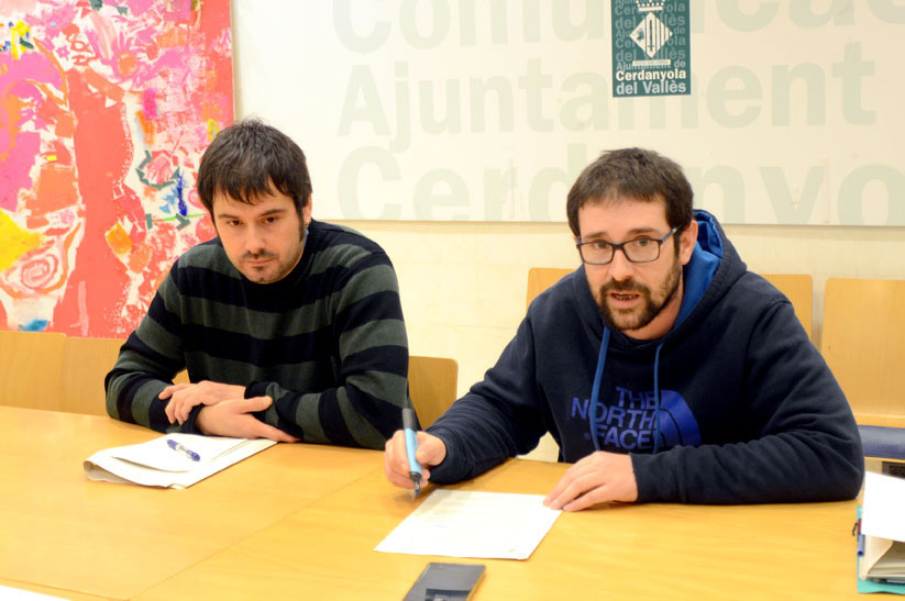 L'alcalde Carles Escolà i el regidor de Serveis Econòmics, Daniel Mallén, durant la roda de premsa