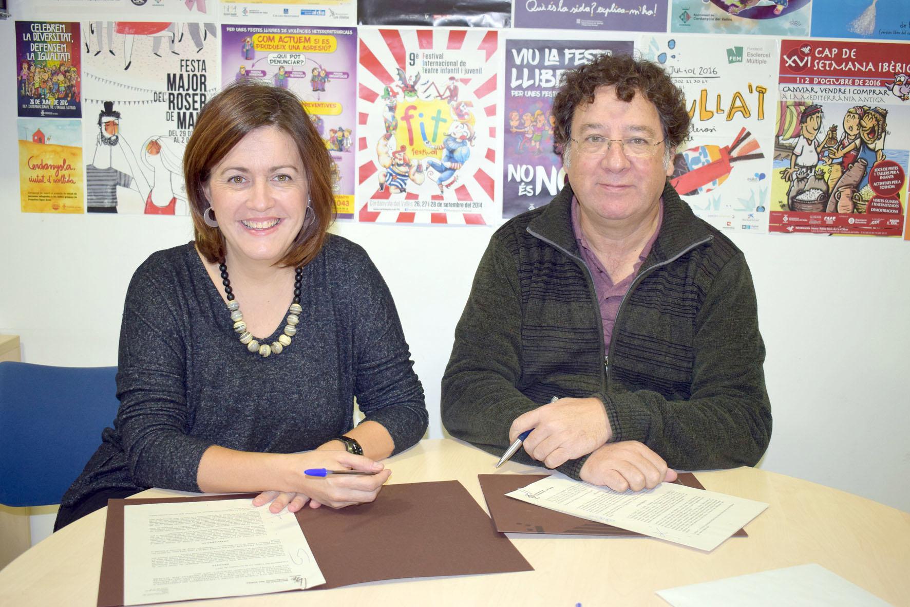 El conveni l'han signat la regidora de Drets Civils, Elvi Vila, i el gerent del C.O. Barcanova-Montflorit, Francesc Xavier Ferré
