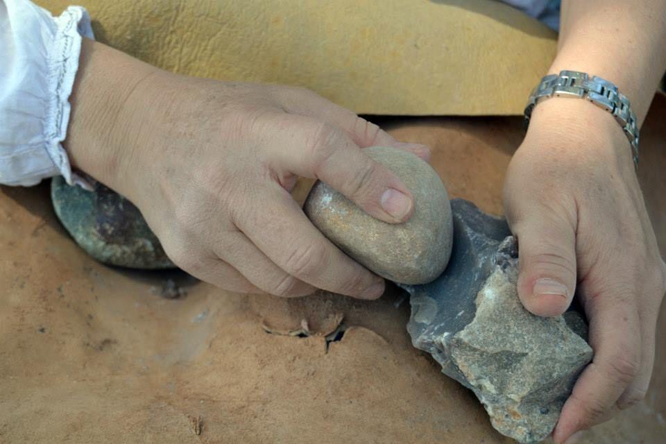 Tallant eines com es feia a la prehistòria