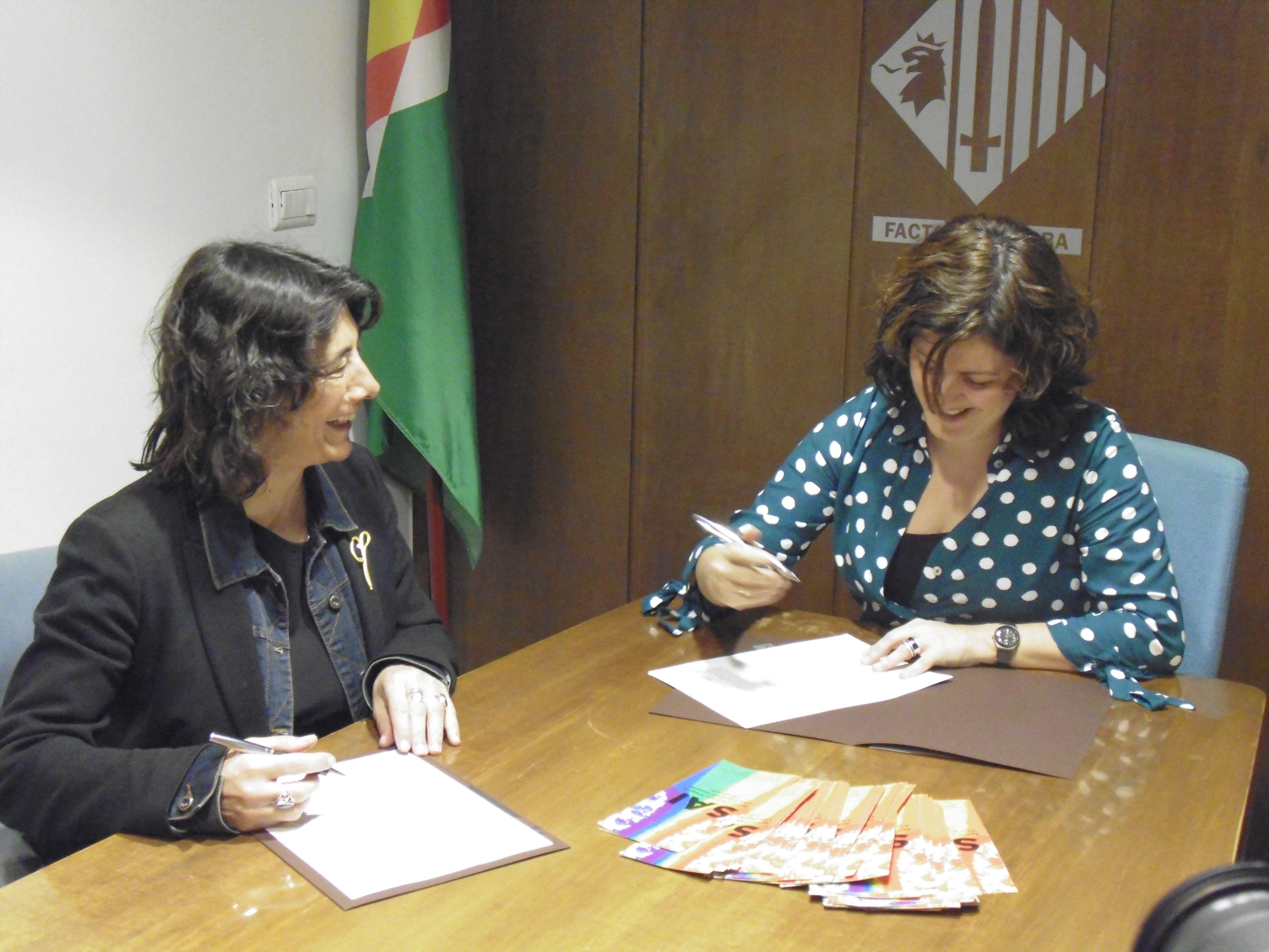 Moment de la signatura del conveni