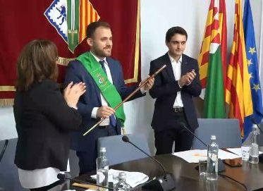 Carlos Cordón en el moment de ser investit Alcalde de Cerdanyola