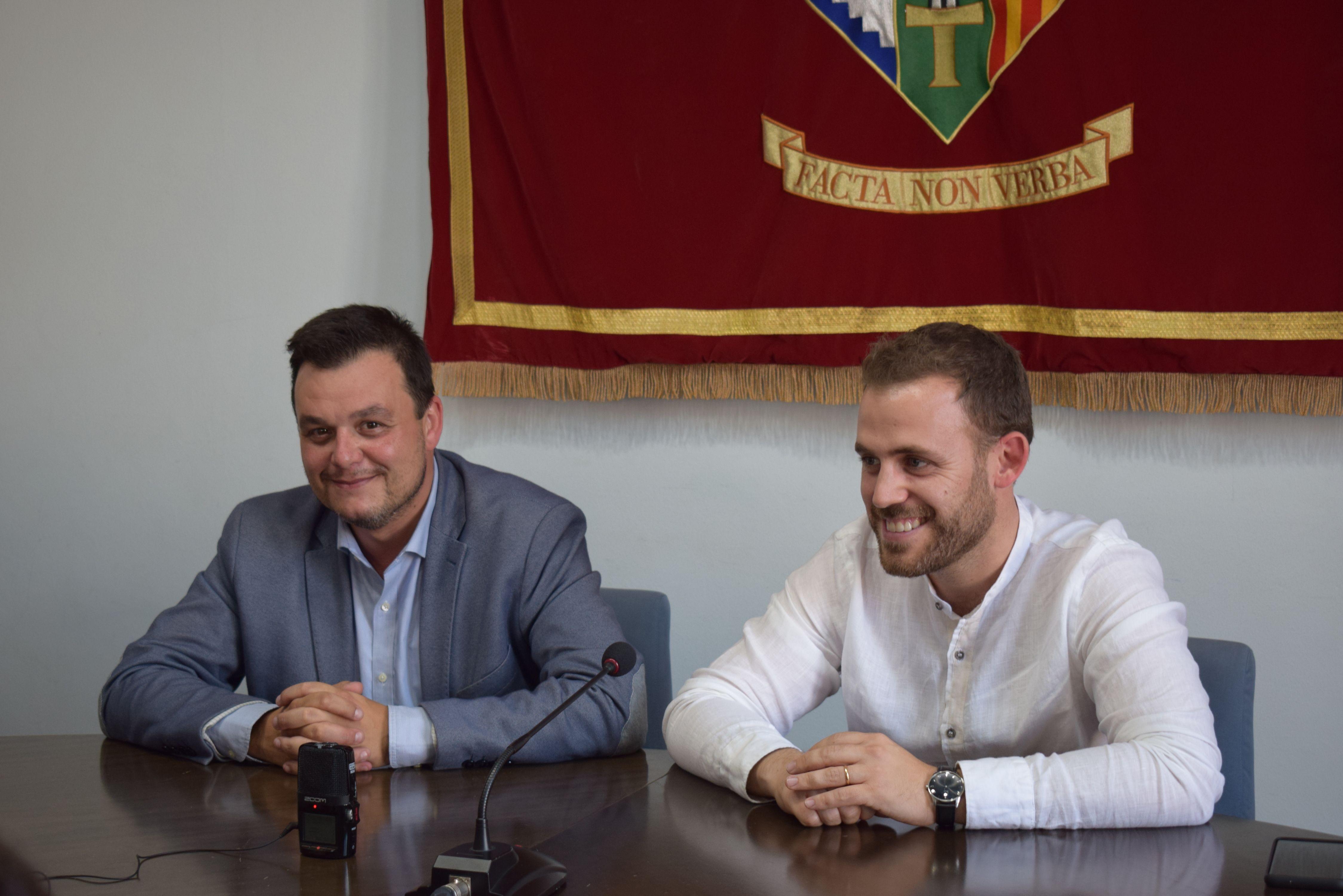 El regidor Víctor Francos i l'alcalde Carlos Cordón