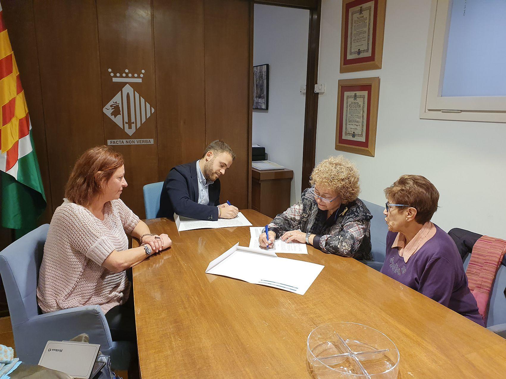Signant el conveni