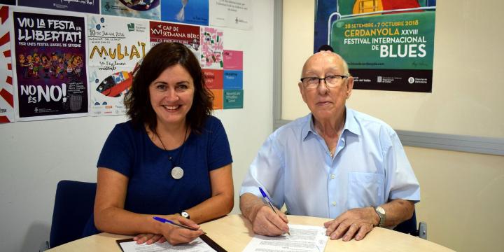 Elvi Vila i Josep Senra signen el conveni