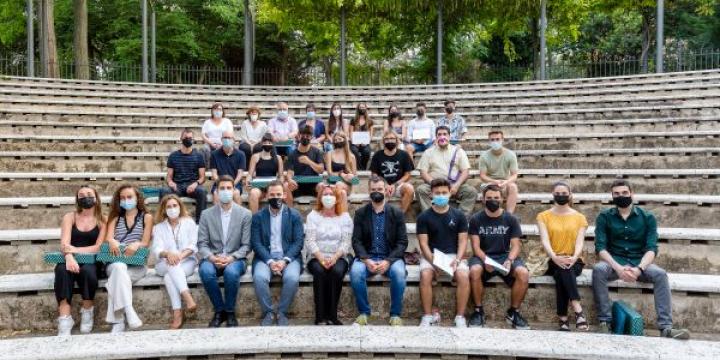 Estudiants guanyadors i representants dels instituts