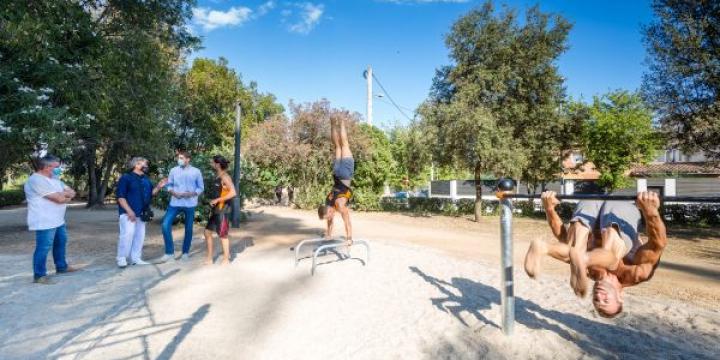 Un moment de l'obertura del parc de Cal·listènia