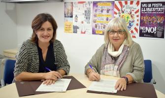 Elvi Vila i Isabel del Peral han signat el conveni de col·laboració