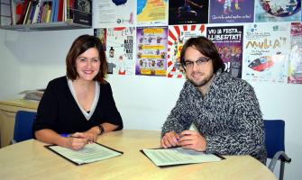 Elvi Vila i Jorge Mármol en el moment de la firma del conveni