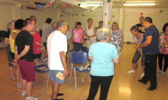 Foto d'arxiu d'un moment duna sessió del Taller de ioga inclusiu