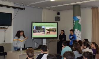L'alumnat presenta les seves propostes al batlle