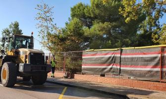 A l'escola Bellaterra s'estan fent les grades del pati