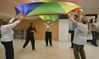 Moment d'un taller organitzat per l'ACFA adreçat a persones amb Alzheimer