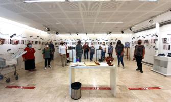 L'exposició col·lectiva ha estat creada per les persones sòcies de Vespres Literaris